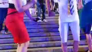 Танцующий дед в Волгограде