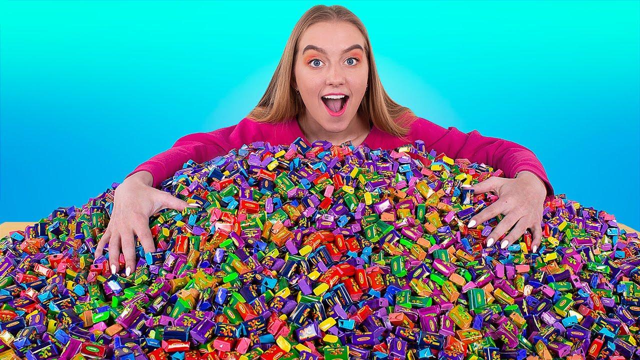 Сделали самую огромную жвачку из 10 000 штук! Жвачка челлендж!