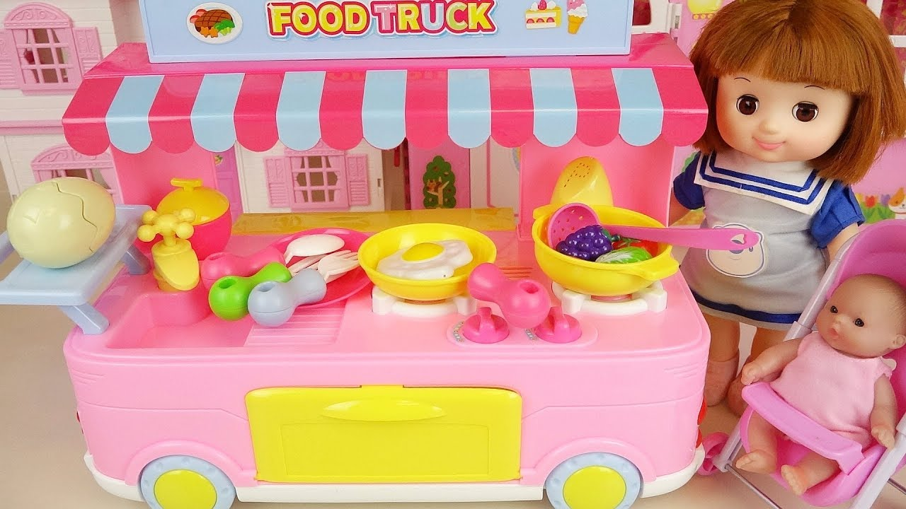 Food car and baby doll food shop play Doli story