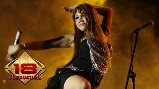 Video Konser Dangdut - SIMALAKAMA GOYANGAN SEKSI SANG BINTANG PENTAS BANYUWANGI ' download MP3, 3GP, MP4, WEBM, AVI, FLV Agustus 2017