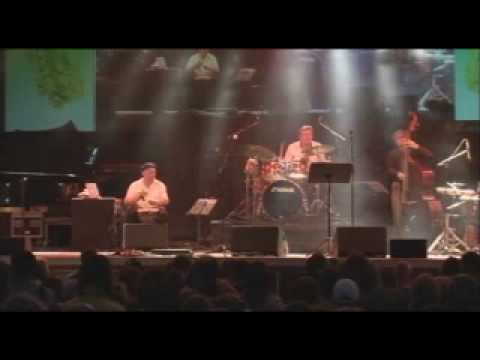 "Bahama Soul Club, ""Kind Of Latin Rhythm"" -LIVE-"