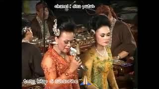 Enakeun Kawih Nunung Nurmalasari bubuka wayang Giri harja 3