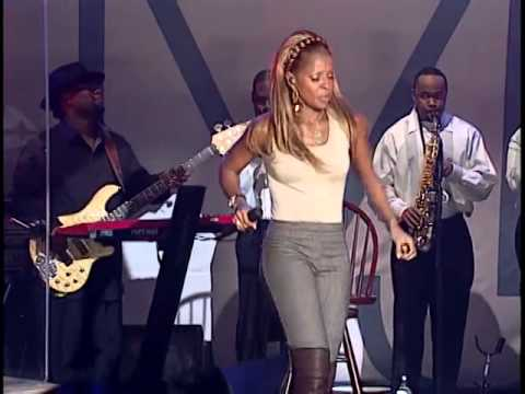 Mary J. Blige Can't Hide From Luv (Live)