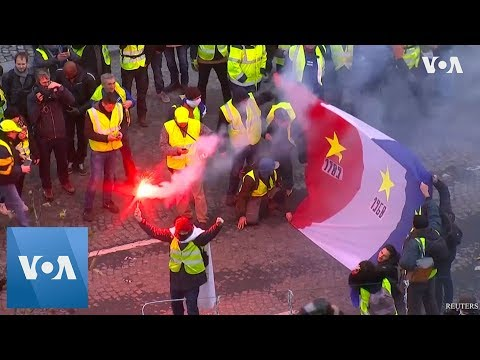 French Police Use Tear Gas Against Protesters in Central Paris
