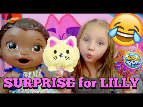 BABY ALIVE gets a SURPRISE - WORDS of ENCOURAGEMENT! The Lilly and Mommy Show. The TOYTASTIC Sisters