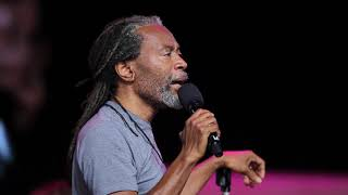 Bobby Mcferrin Leads The Audience In Circlesong