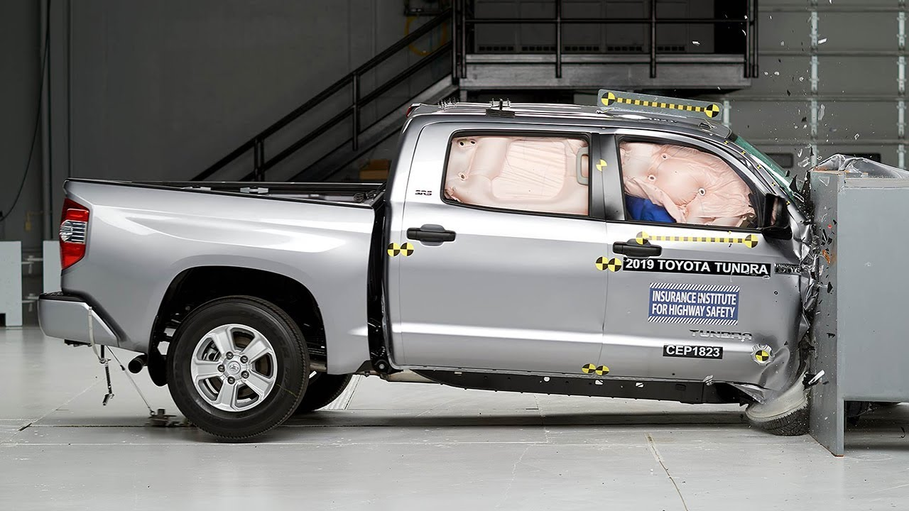 2019 Toyota Tundra crew cab passenger-side small overlap IIHS crash test