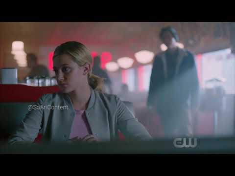 Riverdale 2×05 Jughead wants Betty to leave with him| Cheryl meets Nick| Archie asks about the hood