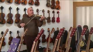 هذا الصباح- لبناني يعزف على نحو 60 آلة