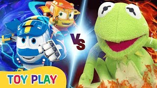 Toy Play | Giant Frog Attack!! | Robot Trains Toy Play