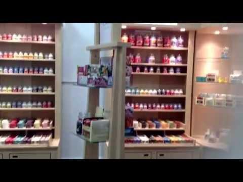 Yankee store! (Short)