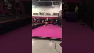 Cheerleader Falls On Neck During Back Handspring Attempt - 1011755
