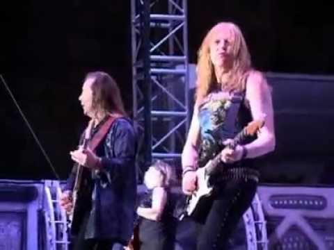 Iron Maiden - Fear Of The Dark (Bali) [HQ]