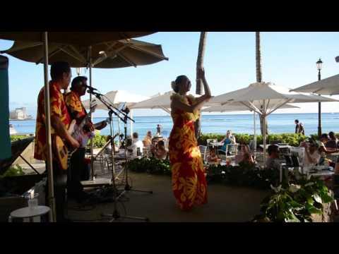 Beautiful Hula Dancer at the Moana Surfrider Hotel