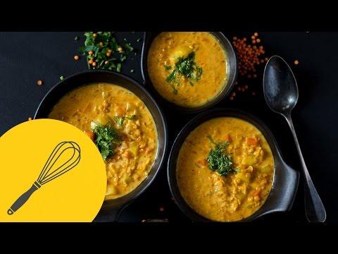 Indische Dal Suppe mit Kokosmilch  Vegetarische rote Linsensuppe  Leichte Indische Rezepte
