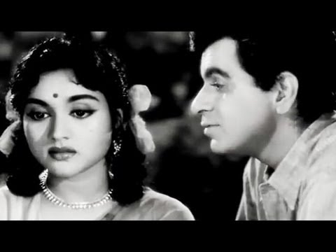 Dilip Kumar tries to impress Vyjayantimala, Paigham - Romantic Scene 6/19