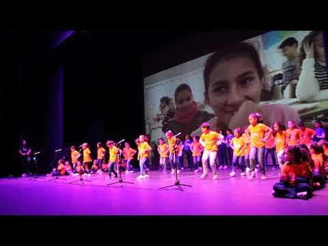 Imagen de uno de los grupos de alumnos participantes en el Encuentro Intercentros de este martes.
