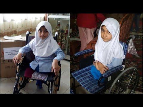 Kisah Bulan, Bocah yang Dapat Kursi Roda dari Jokowi