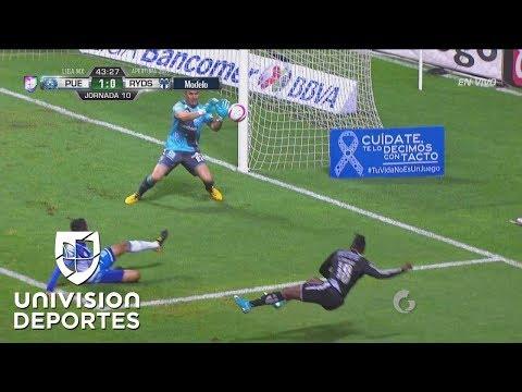 Avilés Hurtado estuvo muy cerca de igualar el partido, pero Muñoz salva a Puebla