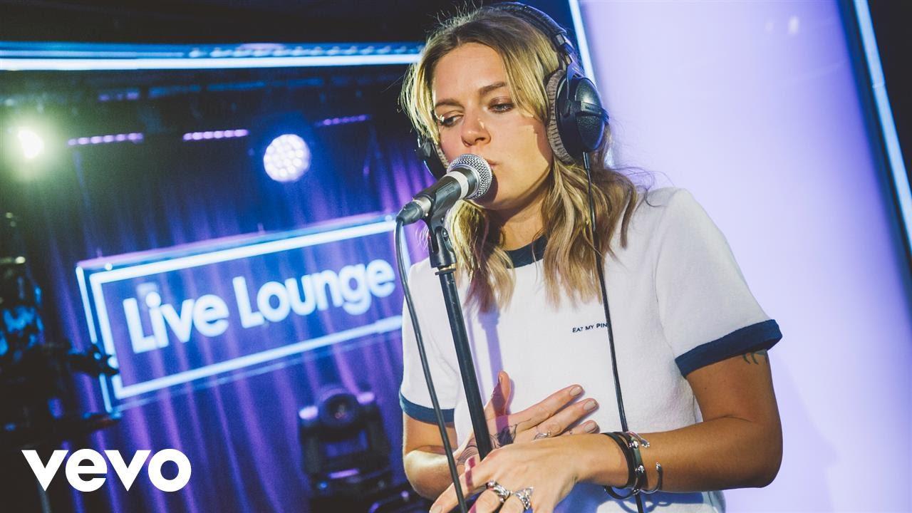 tove-lo-cool-girl-in-the-live-lounge-bbcradio1vevo