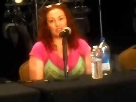 Asking Tabitha about comparing Rarity @ Everfree Northwest 2015