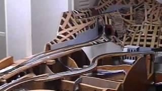 我が家で建設中のNゲージレイアウトの紹介です。 何年も前の録画なので...