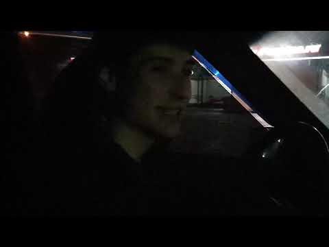 Зачитал рэп в машине