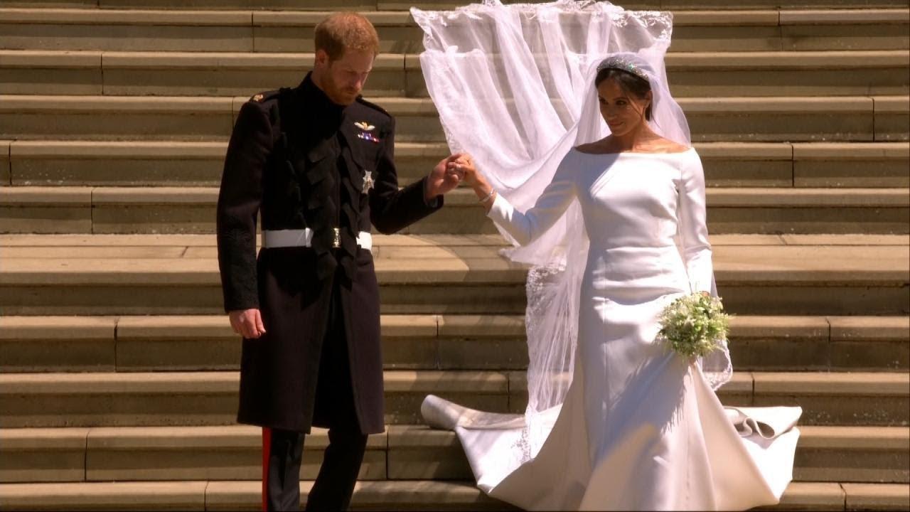 was meghan markle s wedding dress too big youtube was meghan markle s wedding dress too big