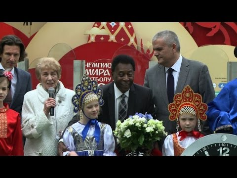 Pele opens countdown to the World Cup in Russia