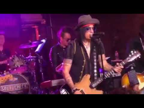Johnny Depp, Tommy Henriksen and Joe Perry at Lucky Strike Live! (January 31th,2018)
