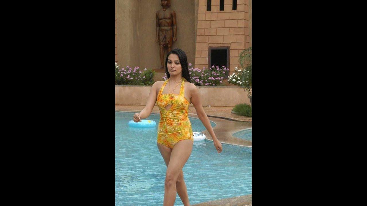 Watch Natassha (Now Anita Hassanandani Reddy) video