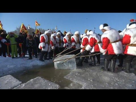 شاهد: انطلاق مهرجان استخراج الثلج في مدينة هاربين الصينية …  - نشر قبل 2 ساعة