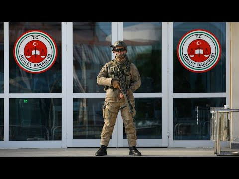 تركيا..السجن مدى الحياة بحق 151 شخصا في المحاكمات المرتبطة بمحاولة الانقلاب  - نشر قبل 16 دقيقة