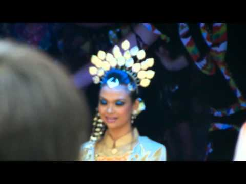 Traditional Dancing of Malaysia for EXPO 2012 Yeosu Korea Opening in Malaysia National Pavillion