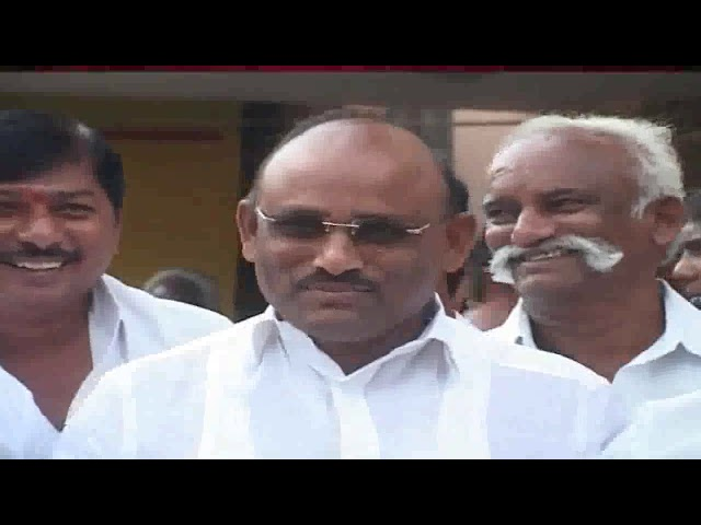 Putta sudhakar yadav not willing to resign to ttd chairman post