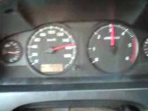 Nissan Urvan 2008 Corriendo 160 Km H Youtube