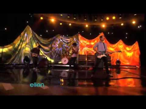 Vampire Weekend-Cousins-live@Ellen(09/28/10)