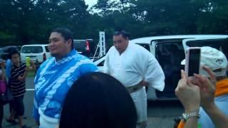 平成26年名古屋場所初日(7月13日)、横綱鶴竜の場所入りです。