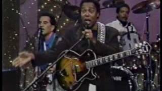 George Benson  [do it again] on The Tonight Show.rm