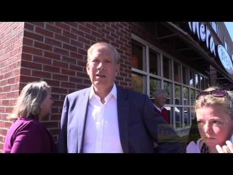 George Pataki Likes Two-Party System - Ambush Interviewed in Keene, NH