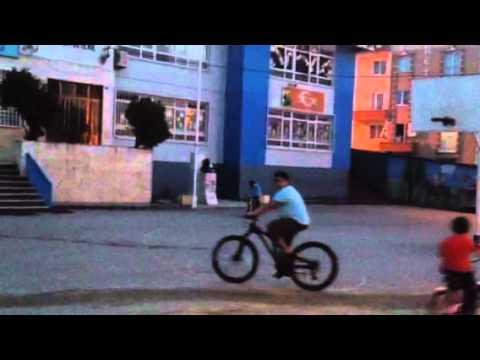 Kayra KUMAŞ ilk bisiklet sürme denemesi