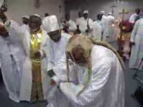"Download GENERAL PROPHET ABRAHAM A. FASH dances with BABA ALADURA AJAYI AKINTOBI ""AROJIBIKA 2"" PART 2"