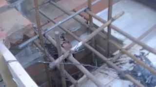 Микроцокольный этаж. Часть 6- двутавры и армирование.(На этом видео хорошо видна надземная часть опалубки( включая опалубку перемычек над дверями и окнами) и..., 2014-06-22T04:22:47.000Z)