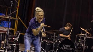 Carrie Underwood Prepping for ACM Awards After Dangerous Fall