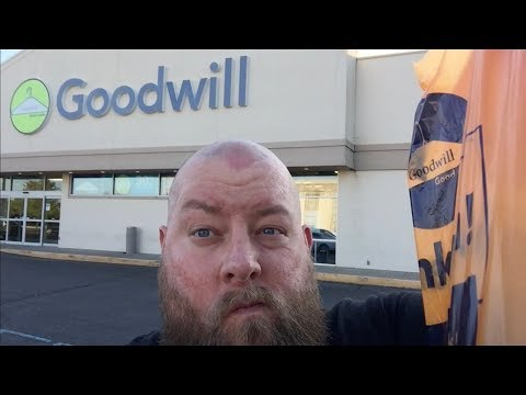LET'S GO THRIFT SHOPPING FOR STEALS & DEALS AT GOODWILL + VERY RARE WWE MEMORABILIA PIECE FOUND!!
