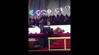 "Tramaine Hawkins performing ""Going up Yonder"" in Dallas"