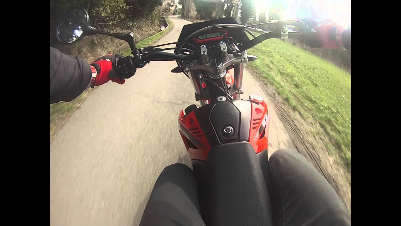 gopro promenade avec la beta 50cc rr supermotard youtube. Black Bedroom Furniture Sets. Home Design Ideas