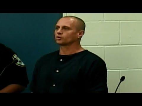 Cops: Alleged stalker arrested with knife on way to Lana Del Rey concert