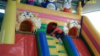 Main Prosotan Balon Di Istana Balon Pororo Raksasa Seru