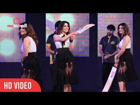 Sunny Leone Batting At Box Cricket League